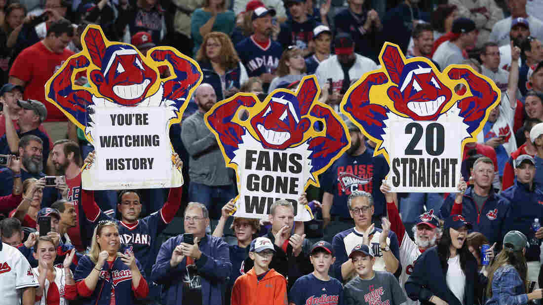 Indians win 19th straight, pounding Tigers 11-0