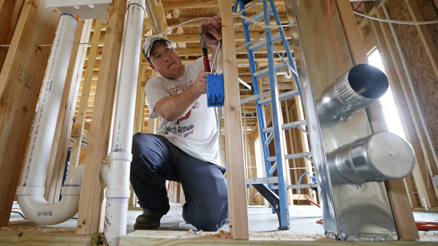 Rebuilding after Harvey: Local company offers builder pricing for victims