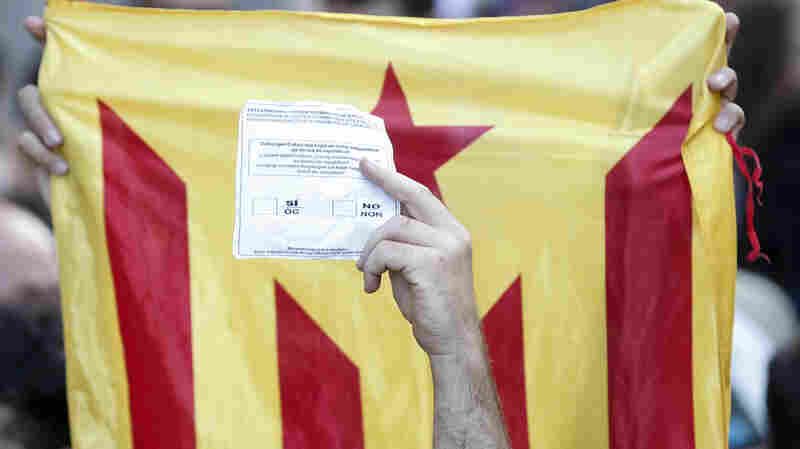 Spanish Police Detain Catalan Politicians Ahead Of Independence Vote