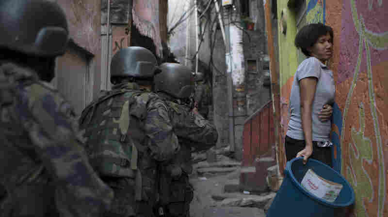 Soldiers Descend On Rio 'Favela' As Shootouts Erupt
