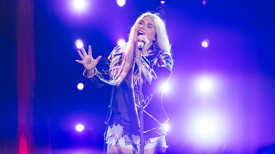 "Kesha Sebert, performing at Nashville's Ryman Auditorium Sept. 27, 2017 in support of her ""comeback"" album <em>Rainbow</em>."
