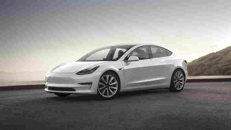 Out Of The Gate, Tesla Stumbles On Its Mass-Market Car