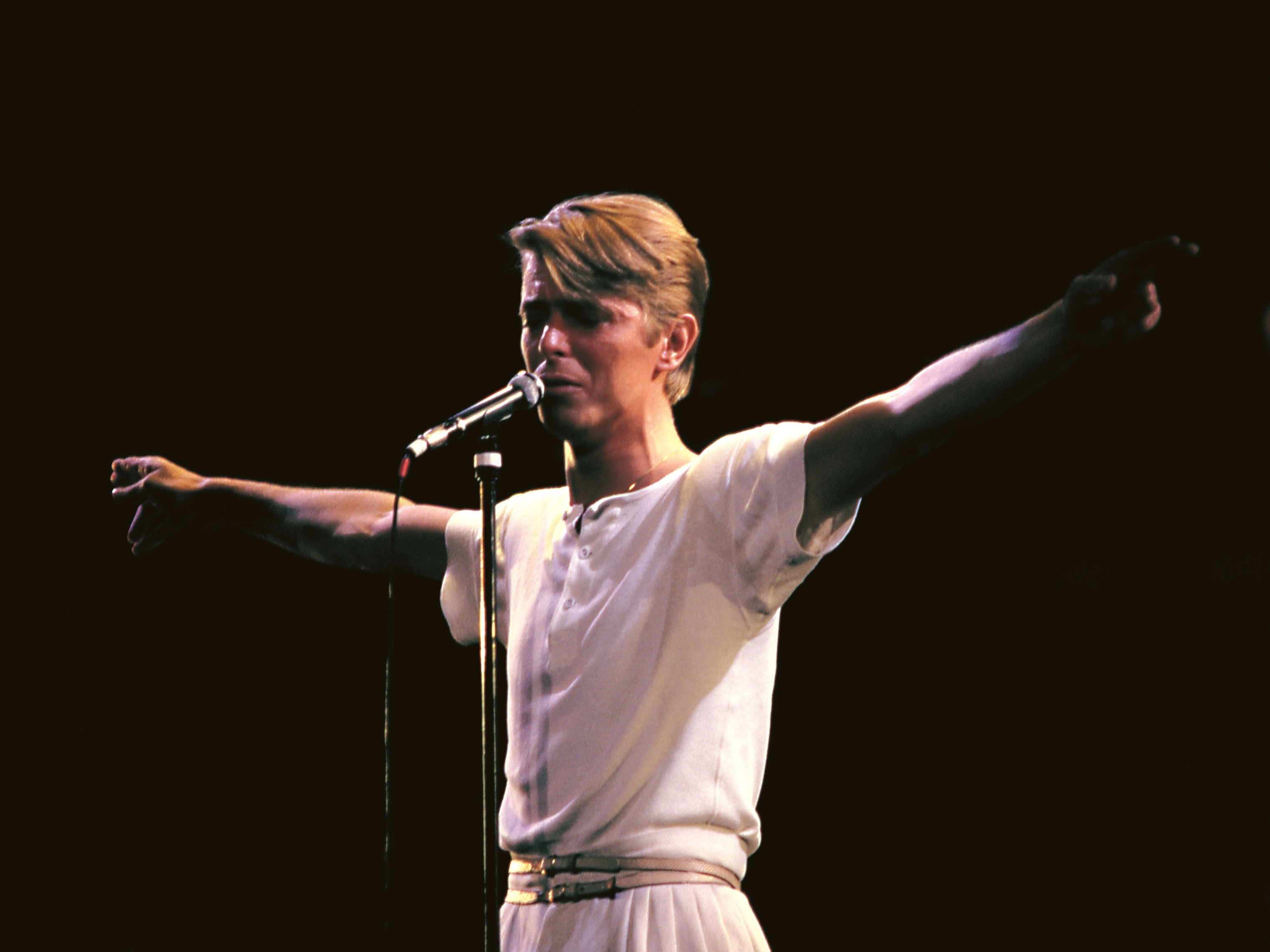 How 'Ashes To Ashes' Put The First Act Of David Bowie's Career To Rest