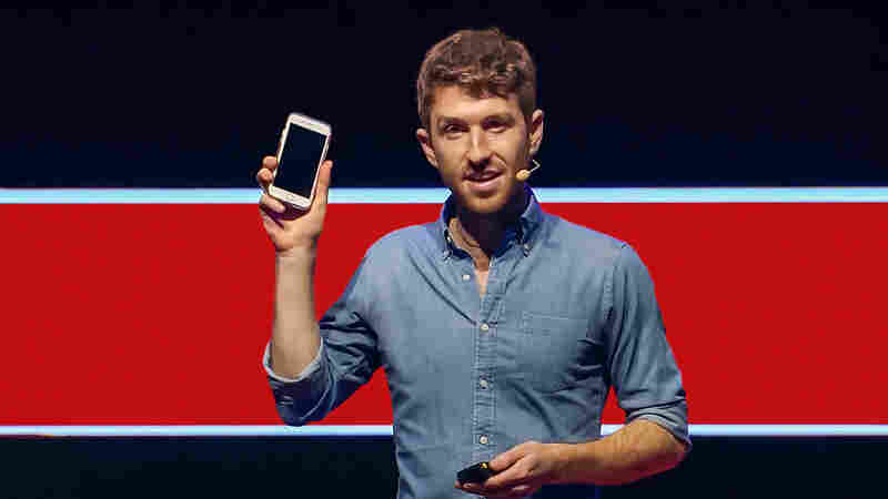 Tristan Harris: Do Our Devices Control More Than We Think?