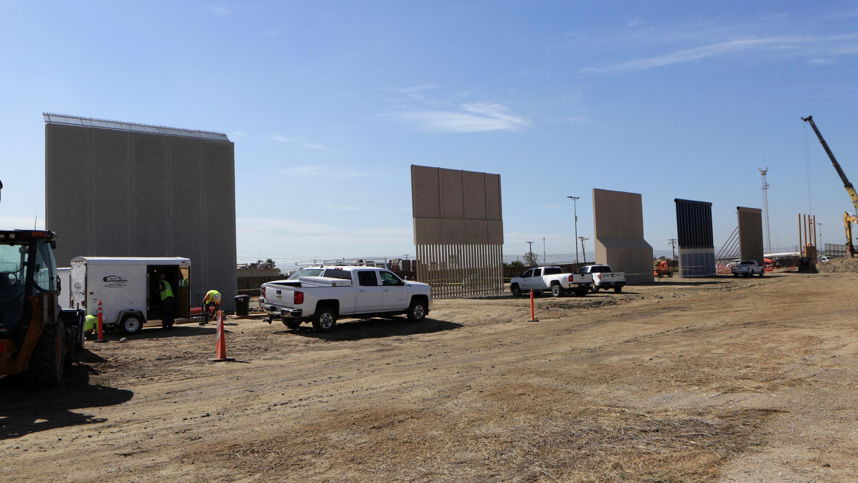 npr.org - John Burnett - 30-Foot Border Wall Prototypes Erected In San Diego Borderlands