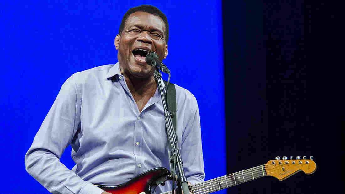 Robert Cray Band On Mountain Stage