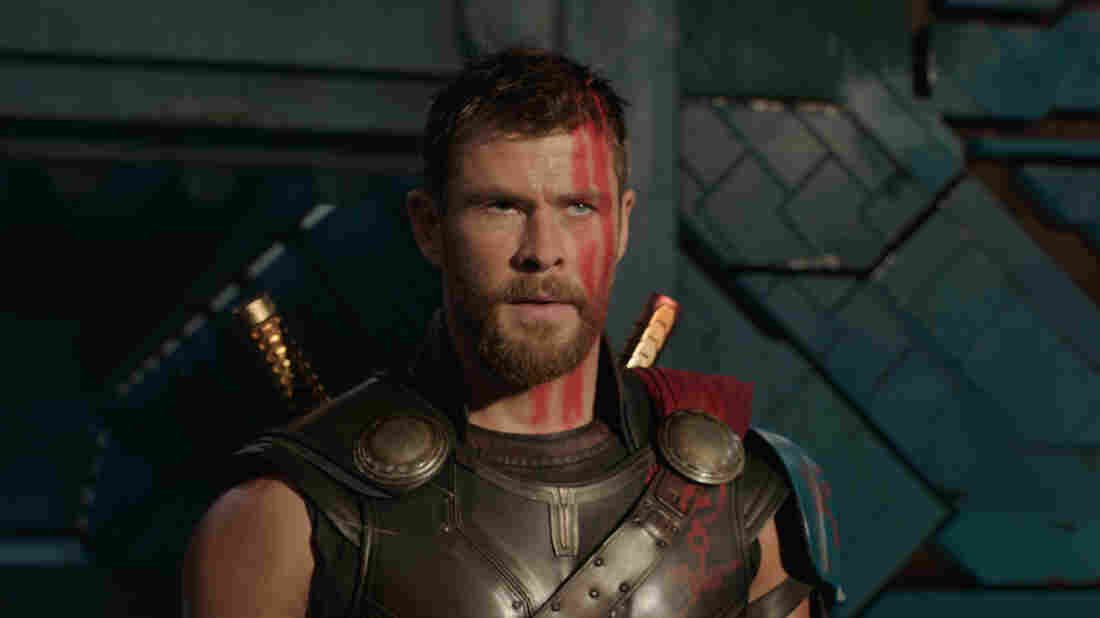 Watch Thor: Ragnarok's Cast Re-enact the Film in '4D'