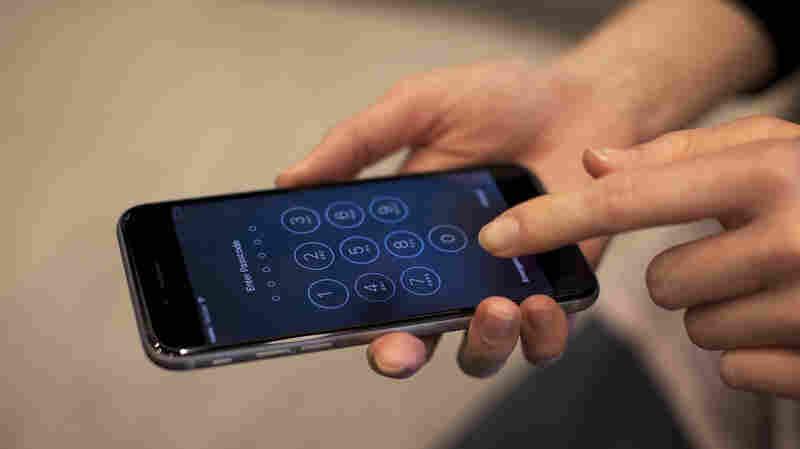 Texas Gunman's Locked Cellphone Renews Debate Over Encryption