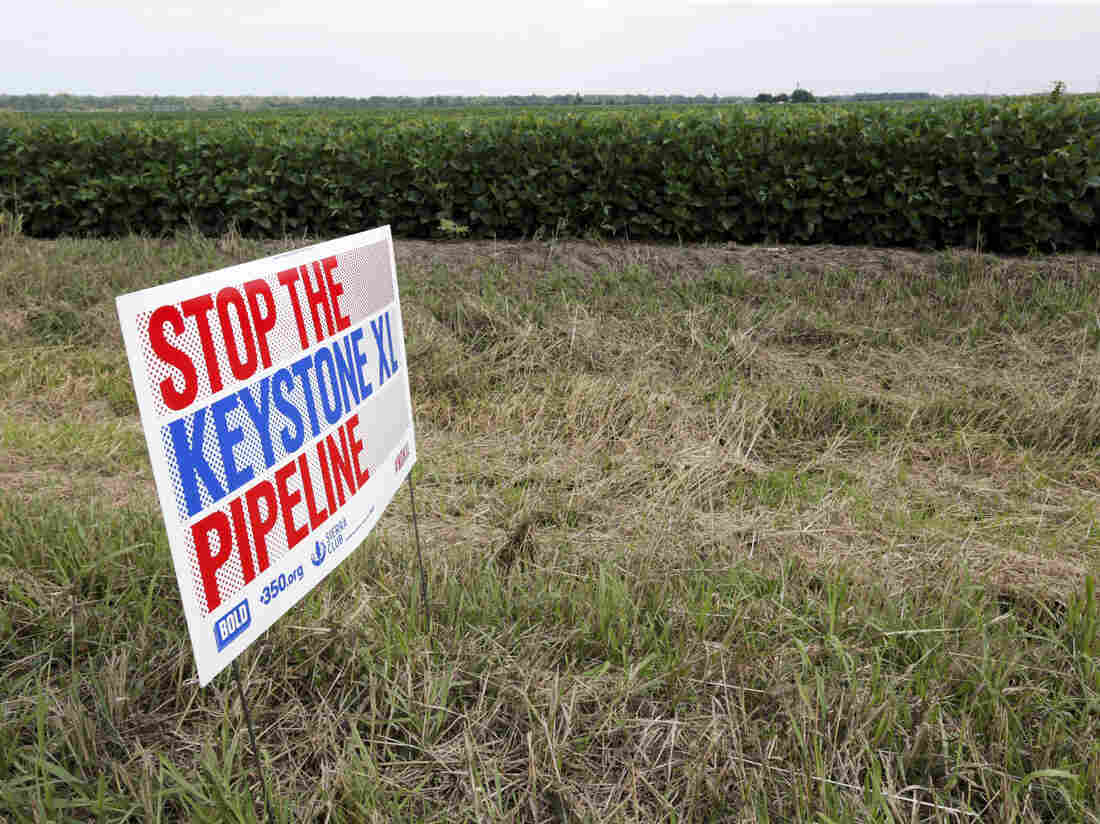 Controversial Keystone Pipeline leaks 210000 gallons of oil