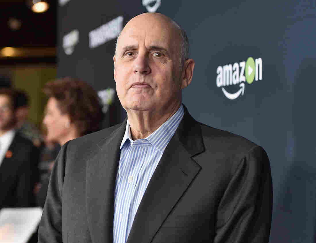 Jeffrey Tambor Threatens to Quit 'Transparent' Amid Sexual Harassment Claims