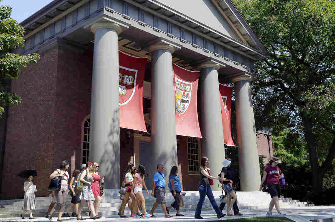 Harvard's Admission Policies Under Federal Investigation