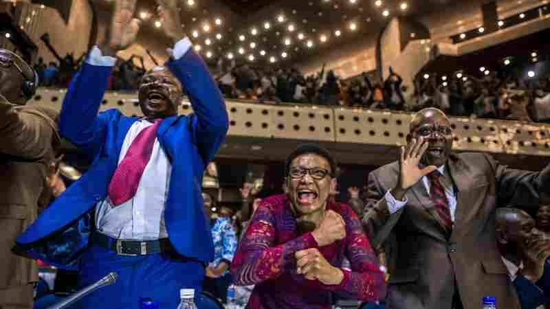 Robert Mugabe, Zimbabwe's Longtime President, Resigns After Tumultuous Week