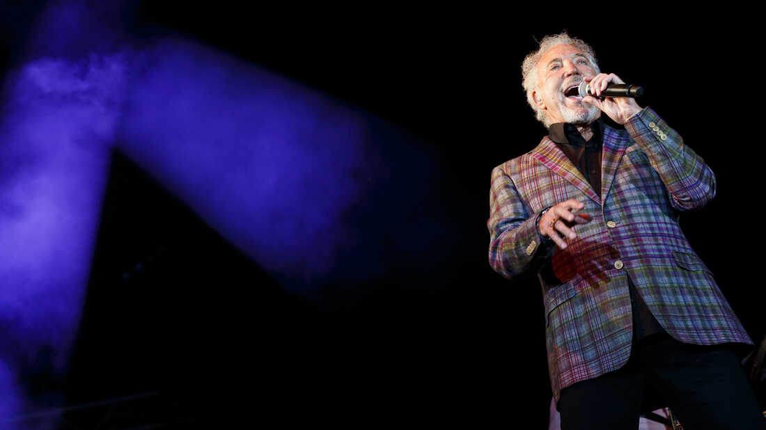 Tom Jones' 'Done Somebody Wrong' Lets Out A Remorseful Roar