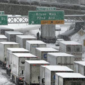 White House Pushes New Truck Safety Regulation While Loosening Obama-Era Rules