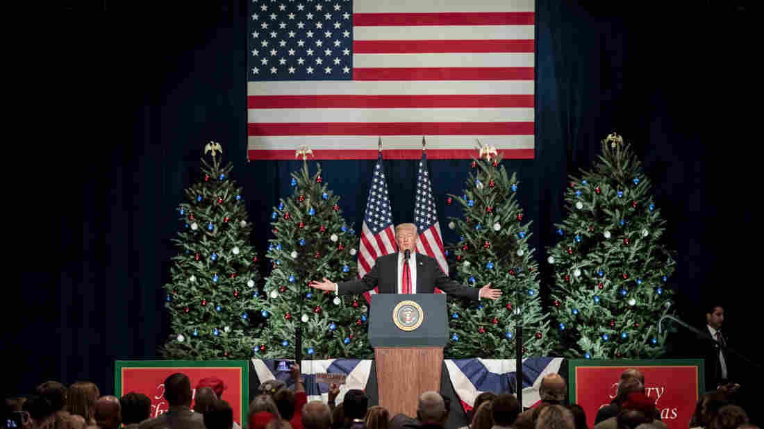 FACT CHECK: Trump\'s Pledge To Restore \'Merry Christmas\' To The White ...