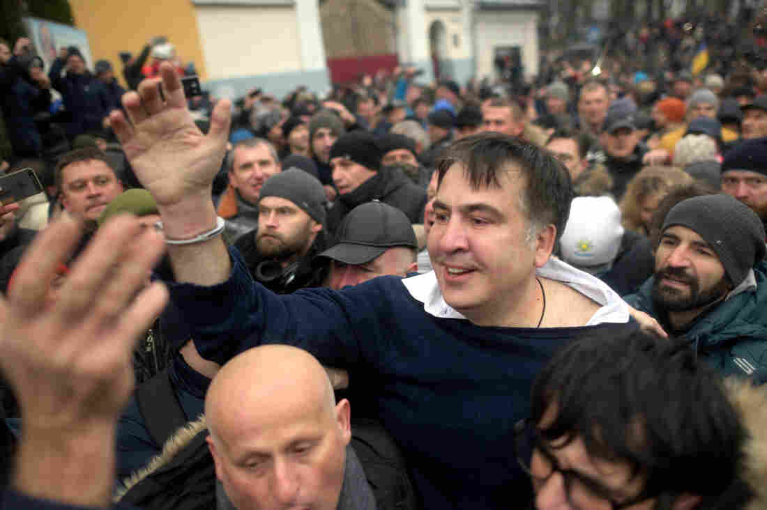 Ukraine: Protesters gather in Kiev after police recapture ex-Georgia leader Saakashvili