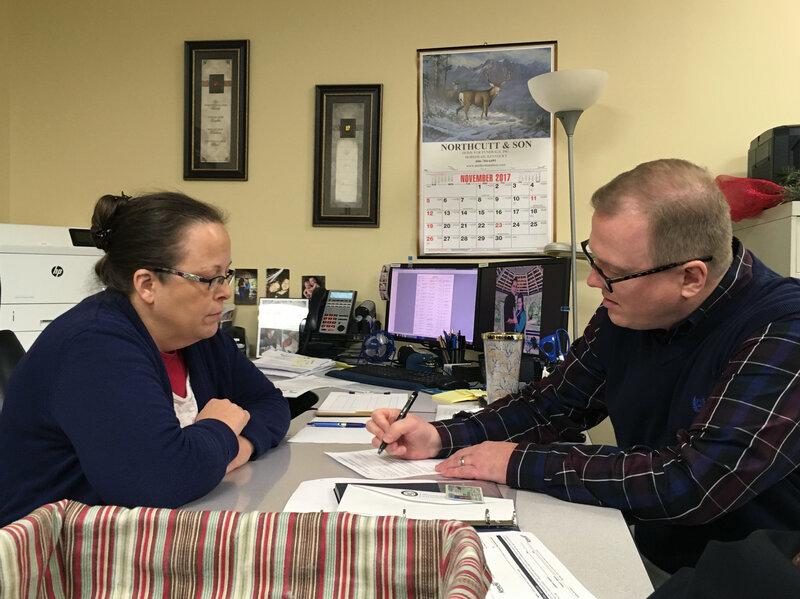 Kim Davis Once Denied Him A Marriage License. Now Kentucky Man Seeks Her Job