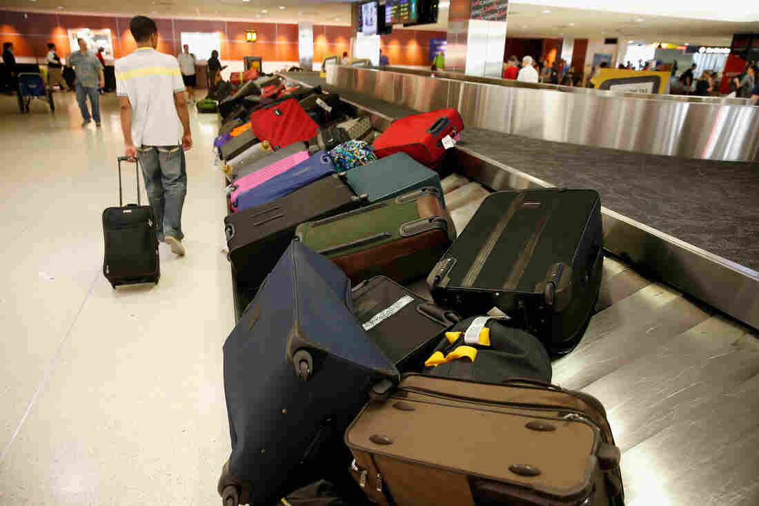 Most US Airlines Set To Limit Use Of 'Smart Bags'