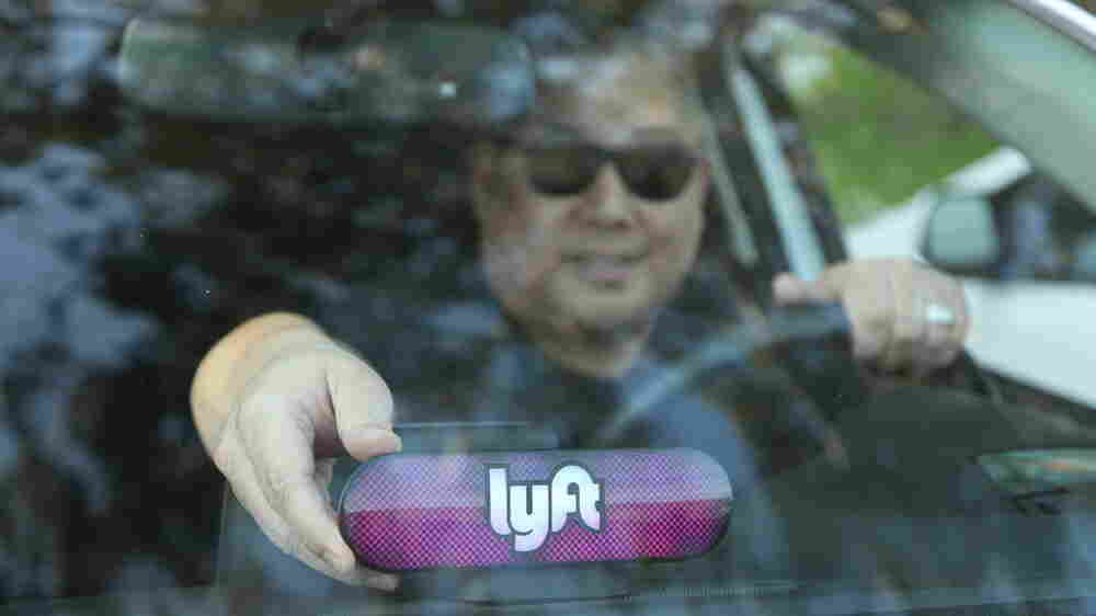 In Effort To Court Drivers, Lyft Offering Education Discounts