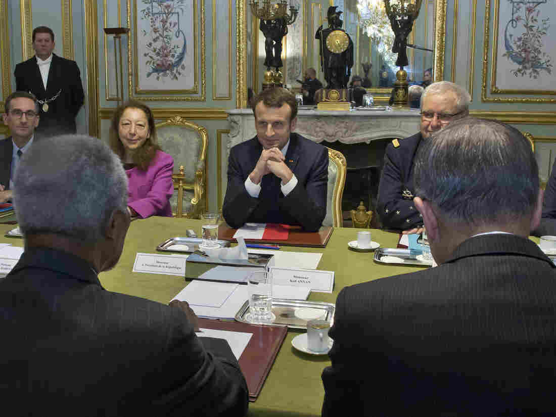 Macron tells summit 'we are losing the battle' on climate change