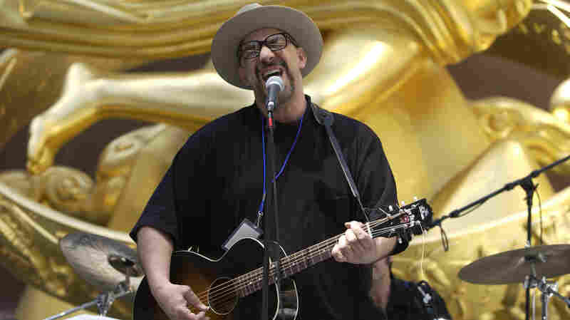 Smithereens Lead Singer Pat DiNizio Dies At Age 62