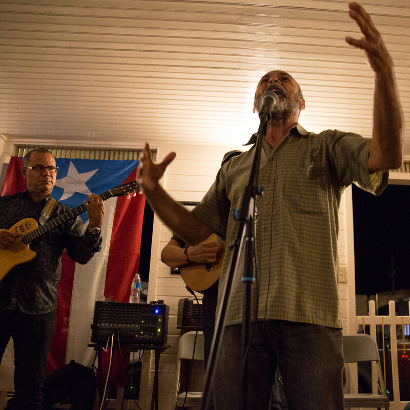 necesitamos la msica puerto ricans recovering from maria embrace the arts - Puerto Rican Christmas Music