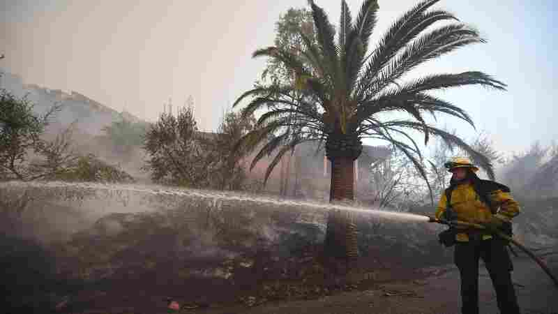 Southern California Fire Forces New Evacuations, Threatens Coastal Communities
