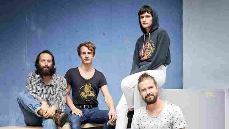 Watch Big Thief Perform 'Mythological Beauty' In 360 Degrees