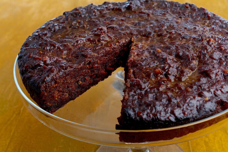 https://media.npr.org/assets/img/2017/12/21/01-caribbean-black-cake_custom-7c7c3c6c08cd85d3ac1daf0a93f390fede69d087-s900-c85.jpg