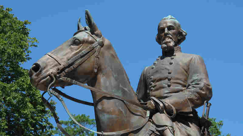 Finding A Legal Loophole, Memphis Takes Down Its Confederate Statues
