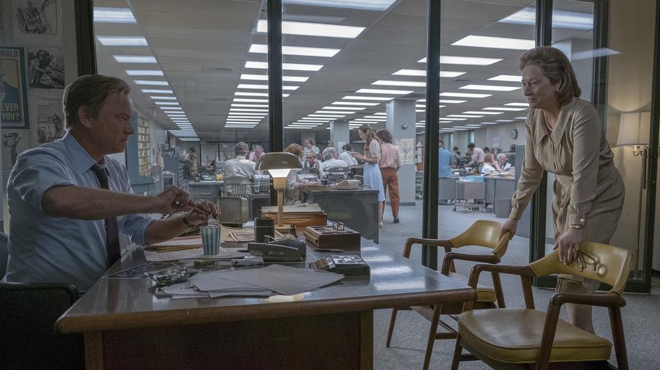 Ben Bradlee (Tom Hanks) and Kay Graham (Meryl Streep) grapple with a big decision in <em>The Post</em>. (Niko Tavernise/Twentieth Century Fox)