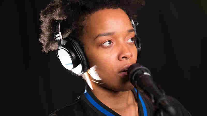 Watch Jamila Woods Perform Spoken Word Poem, 'Blk Girl Art'