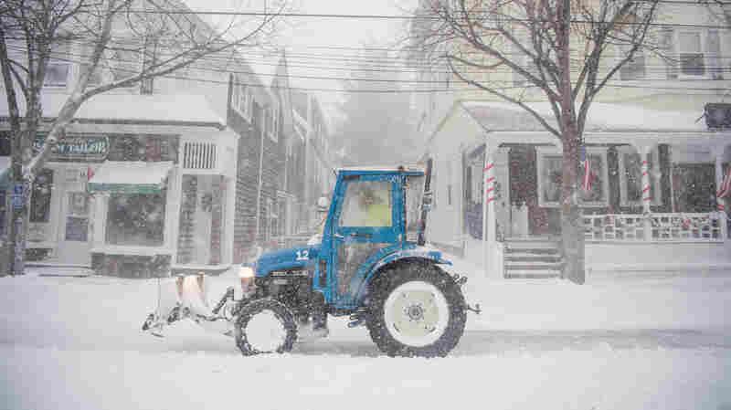 Winter Storm Rakes East Coast, Bringing Snow, Wind To Northeast