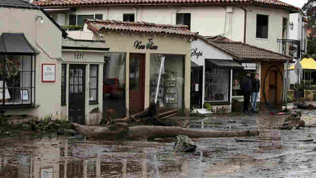 Thousands Evacuate In Southern California As Mudslides Turn Deadly