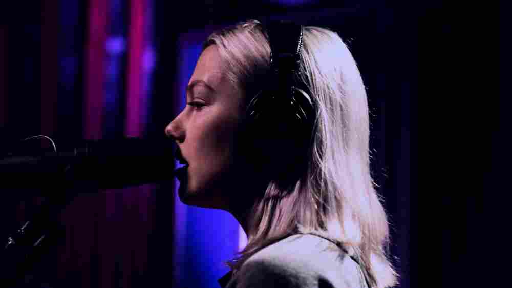 Watch Phoebe Bridgers Perform 'Motion Sickness' Live In The Studio
