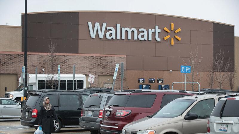 Walmart Closes 63 Sam's Clubs, Will Raise Walmart Starting