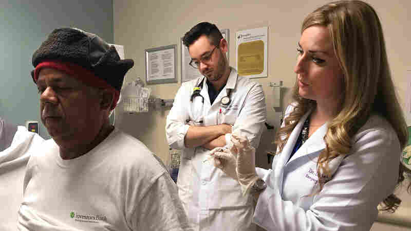 ER Reduces Opioid Use By More Than Half With Dry Needles, Laughing Gas