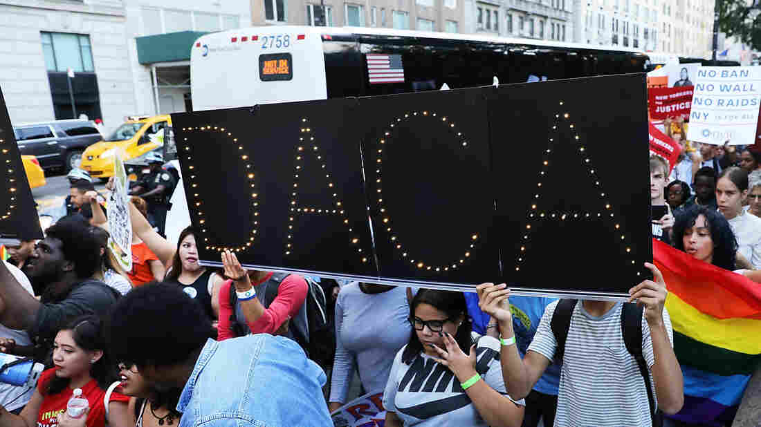 'Dreamer' supporters oppose government shutdown