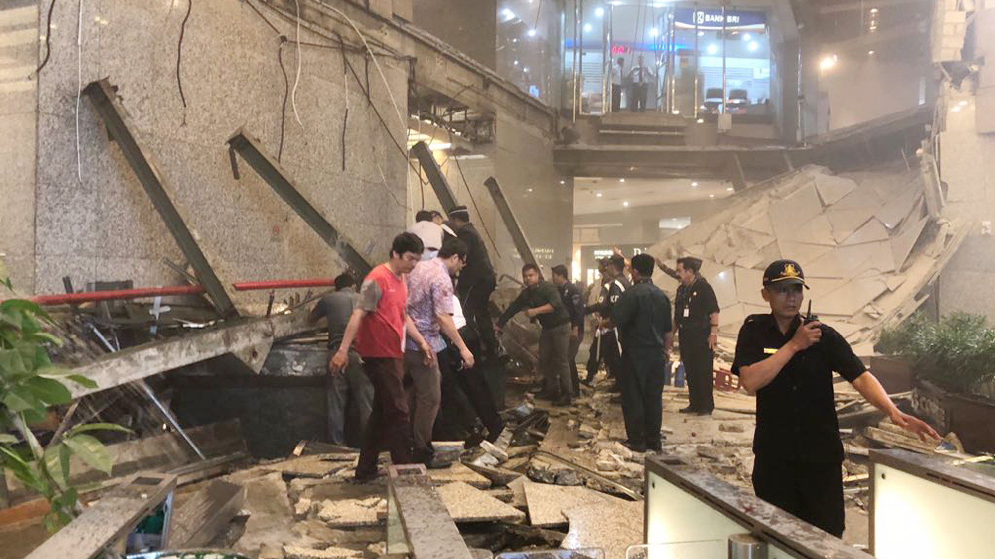 Structure inside Jakarta stock exchange tower collapses