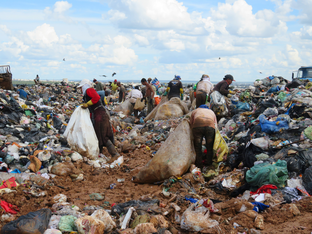 Life at the largest landfill of Madagascar