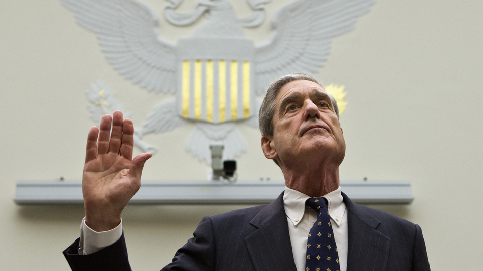 Robert Mueller is sworn in on Capitol Hill, prior to testifying before the House Judiciary Committee in 2013. (J. Scott Applewhite/AP)