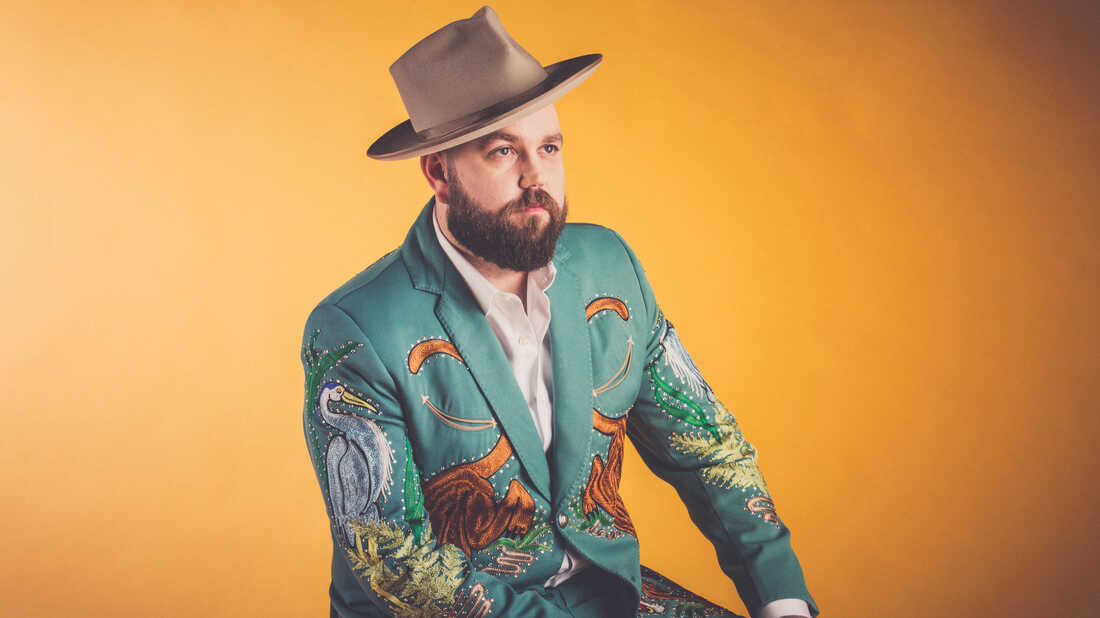 Joshua Hedley's 'Mr. Jukebox' Honors Country Music Traditions In A Heartfelt Way