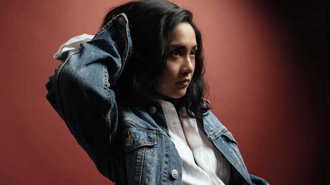 Jay Som's 'Hot Bread' Depicts A Complicated One Night Stand