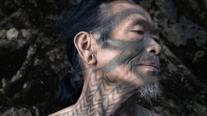 240dd16f11296 PHOTOS: The Vanishing Body Art Of A Tribe Of Onetime Headhunters