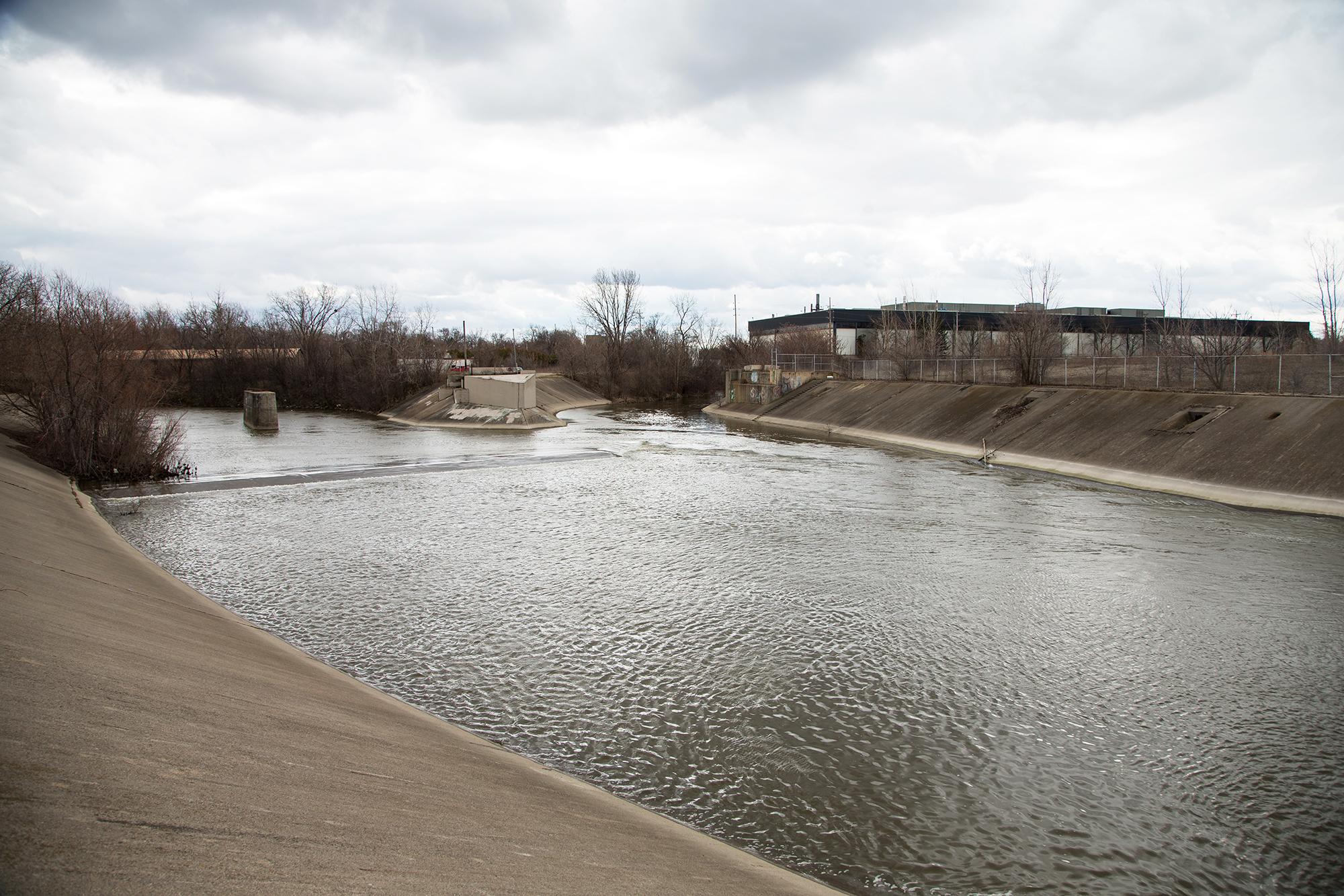 Lethal Pneumonia Outbreak Caused By Low Chlorine In Flint Water