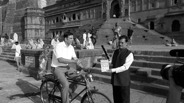Arunachalam Muruganantham poses with actor Akshay Kumar, who portrays him in the new film Pad Man. It