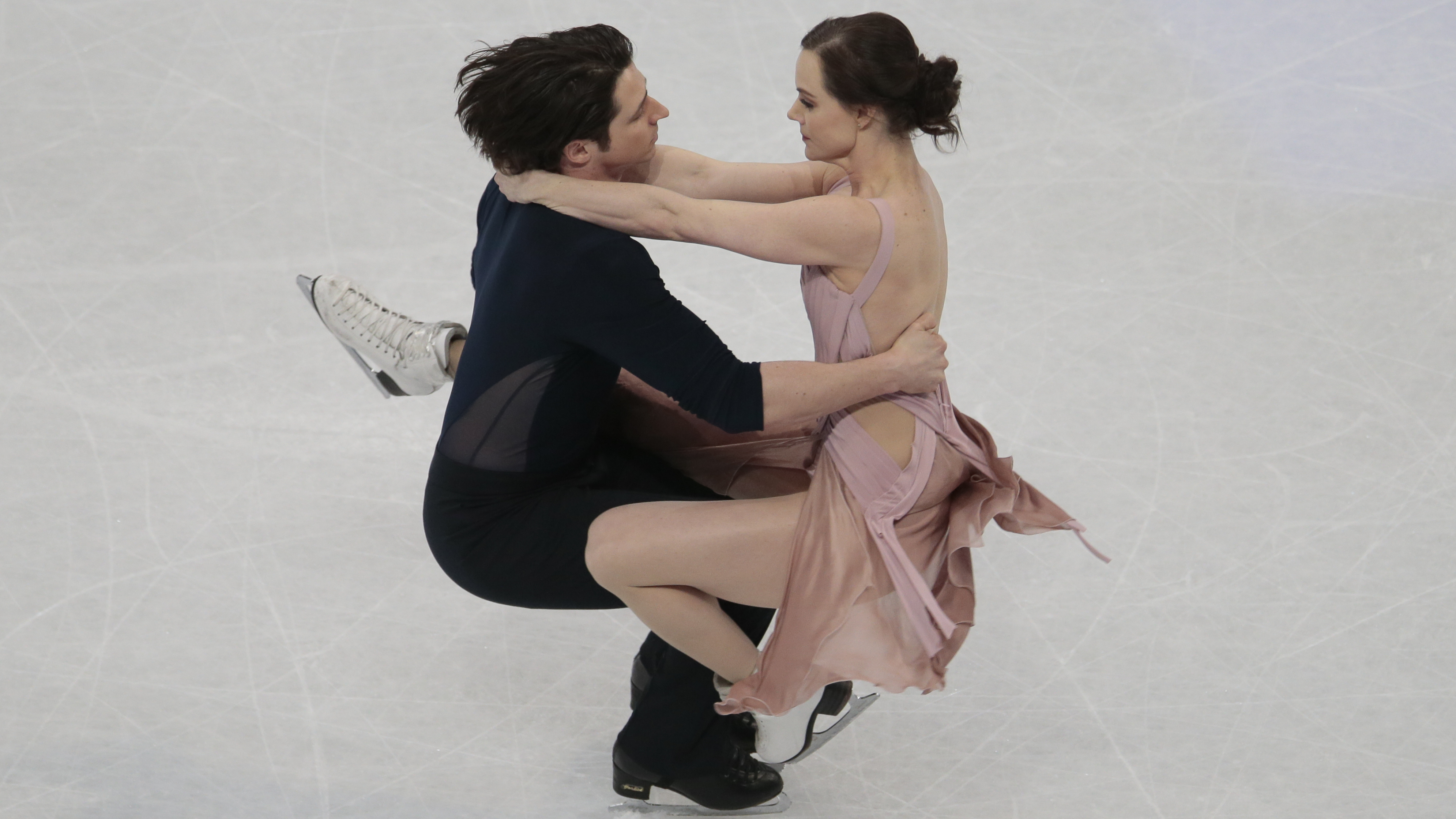 American ice dancers davis and white hookup