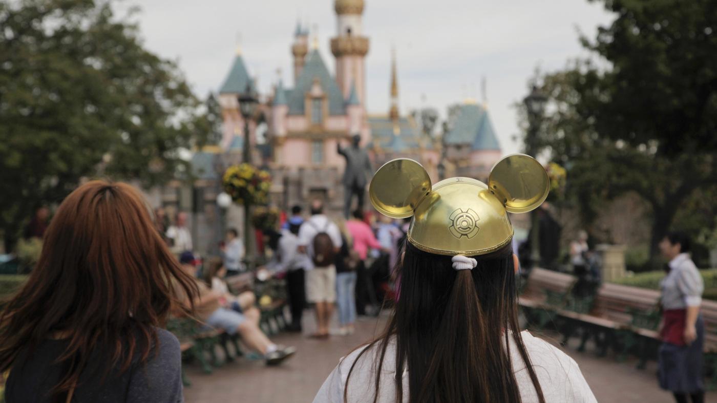 Lawsuit Alleges Mafia-Like Tactics Aimed At A Disneyland Social Club