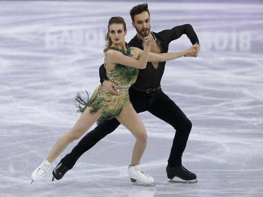 skating malfunction wardrobe ice Figure