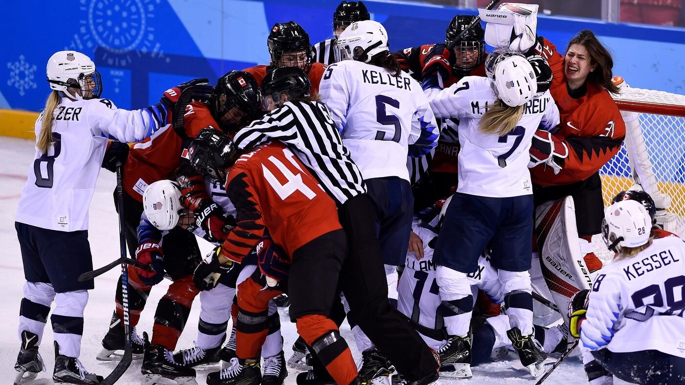 U.S. Women's Hockey Trails Canada 2-1 In Gold Medal Final